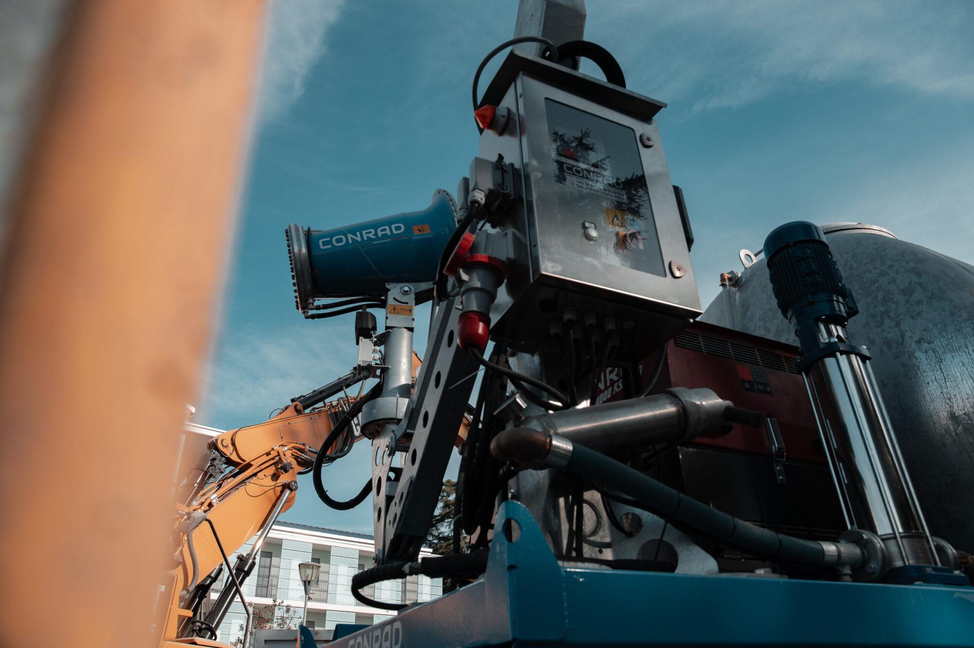 Cannoni Conrad_01 - Demolizione Binotto__NLB4058_4k